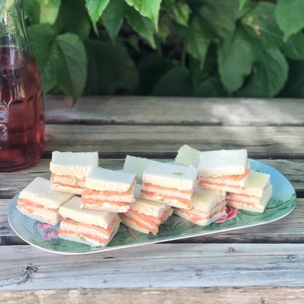 Finger Sandwich Salmón